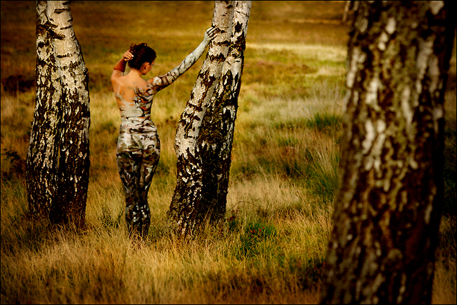 body-painting-camouflage-bouleau